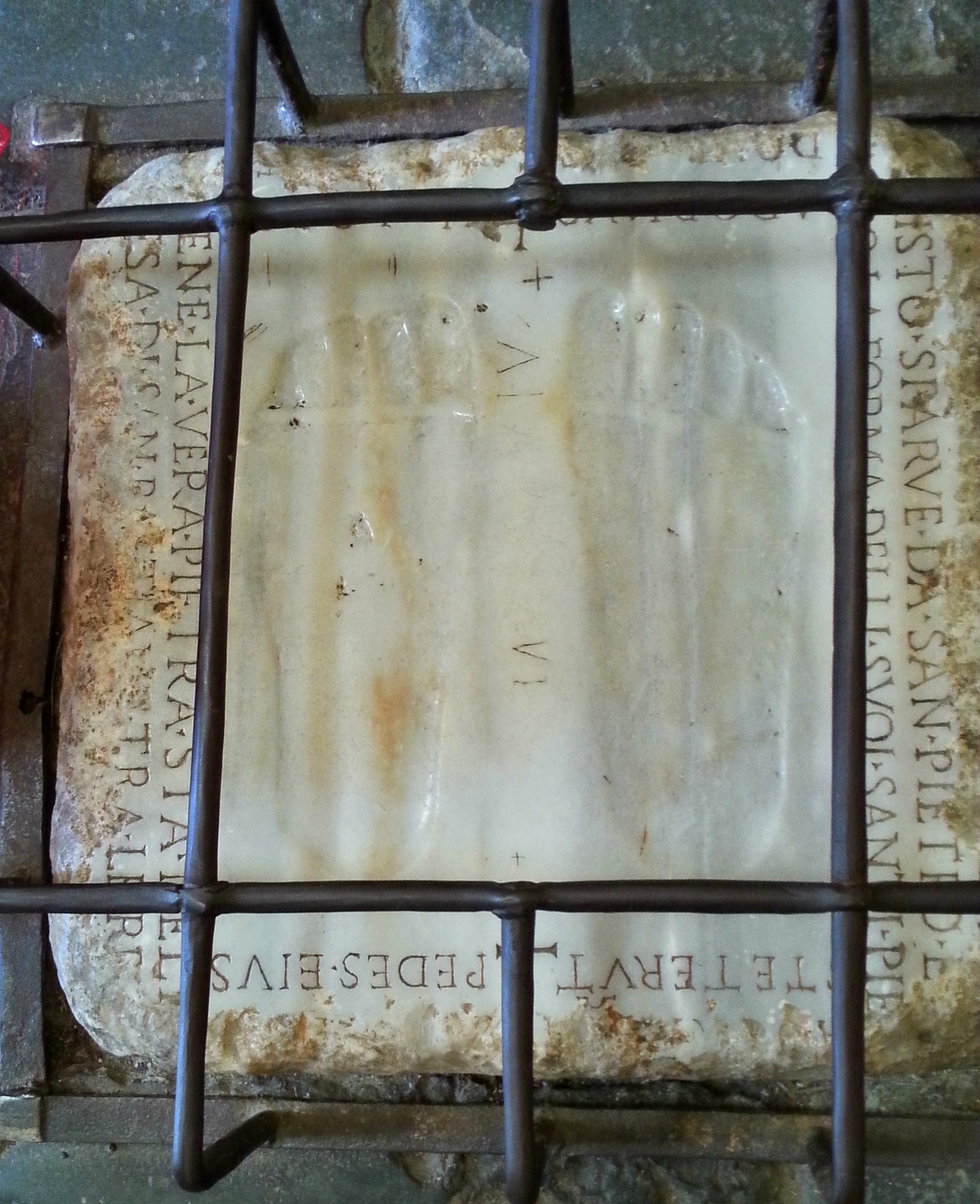 ...die Fußabdrücke in Santa Maria in Palmis...